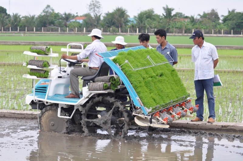 Bảng giá máy cấy lúa Kubota. Giá các mẫu máy cấy lúa Kubota tốt nhất